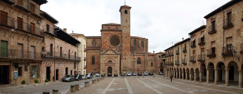 Autocaravana en ruta por Sigüenza, catedral de Sigüenza